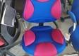 כסאות מעלה אדומים